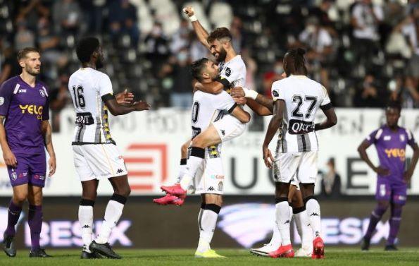 players of charleroi fc celebrating